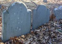 Haseltine children (died mid-1700s) [Headstone photo]