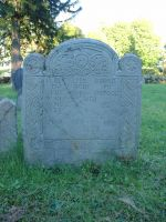 Osgood, Lieut. John (1654-1725) [Headstone photo]